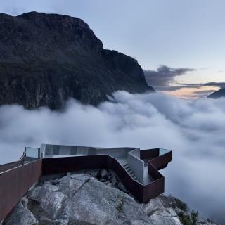 Trollstigen Norwegian Mountain - Obrázkek zdarma pro iPad 2