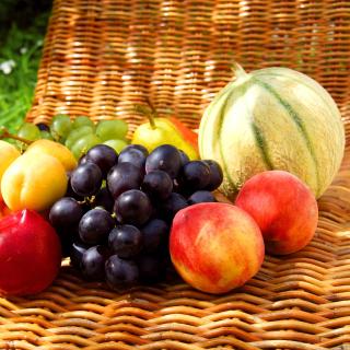 Melons, apricots, peaches, nectarines, grapes, pear - Obrázkek zdarma pro 320x320