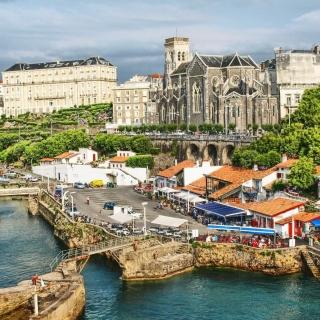 France Scenery Castle - Obrázkek zdarma pro 320x320