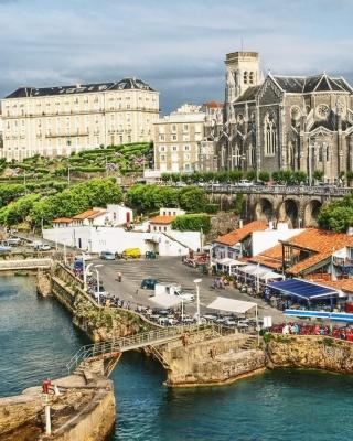 France Scenery Castle - Obrázkek zdarma pro Nokia C2-00