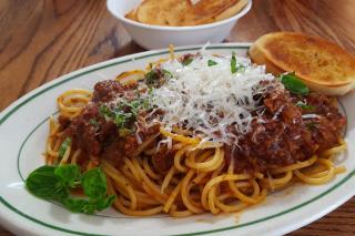 Spaghetti bolognese sfondi gratuiti per cellulari Android, iPhone, iPad e desktop