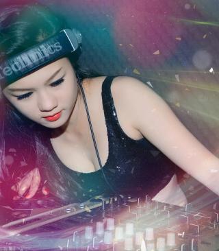 Asian Dj Girl - Obrázkek zdarma pro Nokia Asha 308