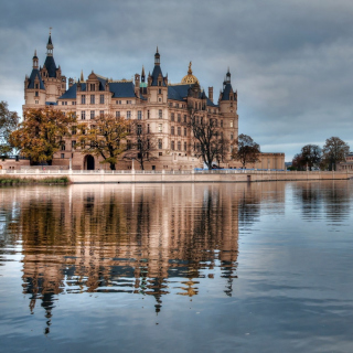 Schwerin Castle in Germany, Mecklenburg Vorpommern - Obrázkek zdarma pro 320x320