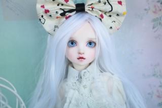 Blonde Doll With Big Bow - Obrázkek zdarma pro 800x480
