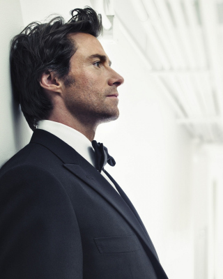 Hugh Jackman As James Bond - Obrázkek zdarma pro Nokia Asha 202