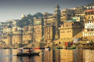 Varanasi City in India Background for Android, iPhone and iPad