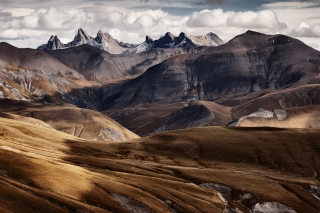 Free French Mountains Picture for Android, iPhone and iPad
