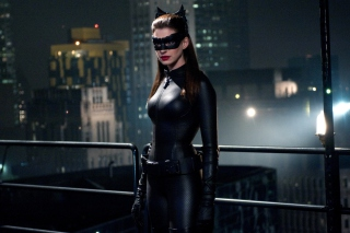 Anne Hathaway Catwoman Dark Knight Rises Background for Android, iPhone and iPad
