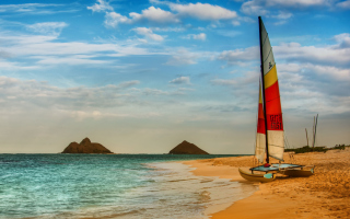 Free Boat On Oahu Beach Hawaii Picture for Android, iPhone and iPad