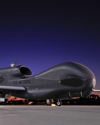 Northrop Grumman RQ 4 Global Hawk surveillance aircraft - Obrázkek zdarma pro Nokia X1-00