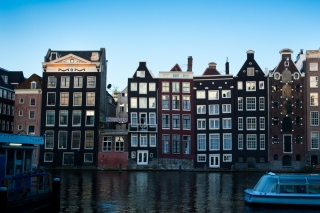Damrak Amsterdam Background for Android, iPhone and iPad