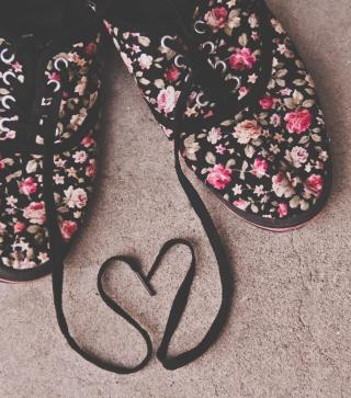 Love Shoes - Obrázkek zdarma pro iPhone 5