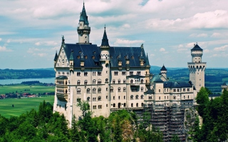 Schloss Neuschwanstein Picture for Android, iPhone and iPad