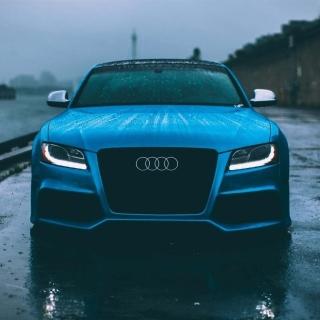 Audi S5 Car in Rain - Obrázkek zdarma pro iPad Air