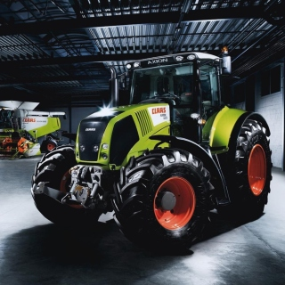 Tractors in garage - Obrázkek zdarma pro iPad 3