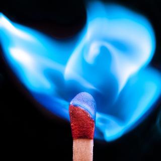 Blue flame match - Obrázkek zdarma pro iPad Air