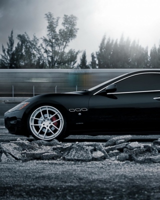 Maserati GranTurismo Background for Nokia C5-05