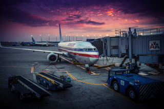 American Airlines Boeing Background for Android, iPhone and iPad