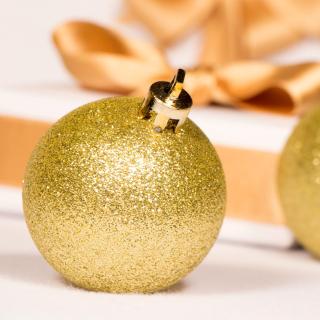 Gold Christmas Balls - Obrázkek zdarma pro iPad mini 2