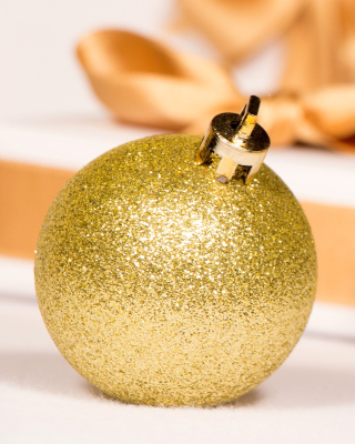 Gold Christmas Balls - Obrázkek zdarma pro iPhone 4S