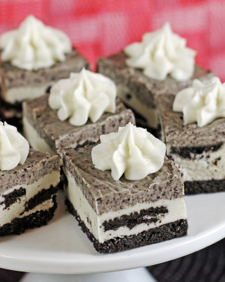 Chocolate Mini Cakes - Obrázkek zdarma pro Nokia Asha 303
