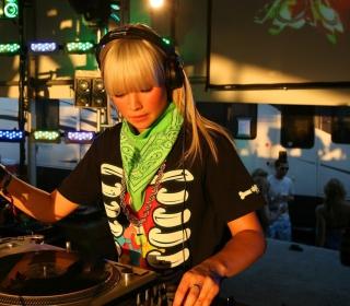 Nightclub B-style DJ - Obrázkek zdarma pro iPad mini 2