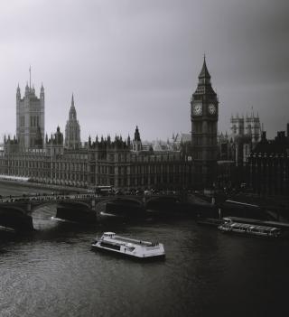 London City Black And White - Obrázkek zdarma pro 2048x2048