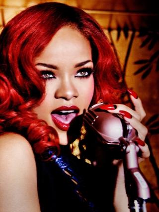 Rihanna Singing - Obrázkek zdarma pro 240x400