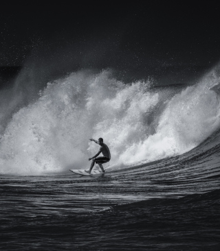 Black And White Surfing - Obrázkek zdarma pro Nokia 300 Asha