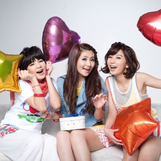 Selina Jen from SHE Taiwanese Mandopop Girl Group - Obrázkek zdarma pro 320x320