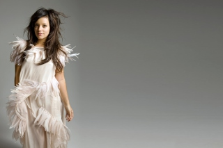 Lily Allen Wallpaper for Android, iPhone and iPad
