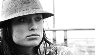 Olivia Wilde Wearing Hat Background for Android, iPhone and iPad