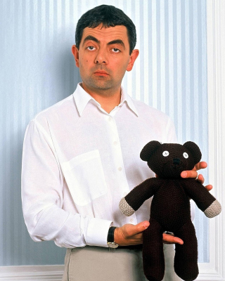 Mr Bean with Knitted Brown Teddy Bear - Obrázkek zdarma pro 128x160