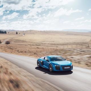 Audi R8 V10 Plus - Obrázkek zdarma pro iPad Air