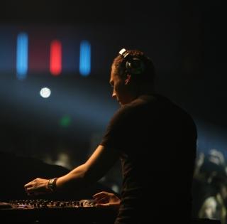 DJ Tiesto - Obrázkek zdarma pro iPad 2