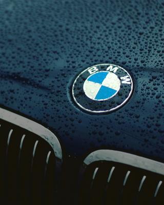 Bmw Logo after Rain - Obrázkek zdarma pro Nokia Asha 203