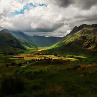 Green Hills Of England - Obrázkek zdarma pro iPad