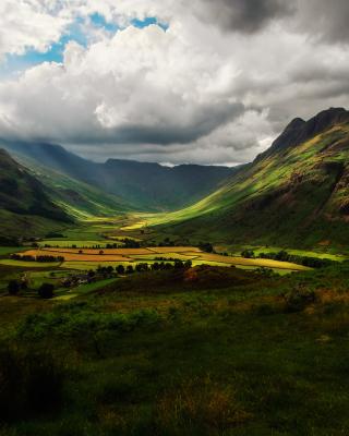 Green Hills Of England - Obrázkek zdarma pro Nokia X6