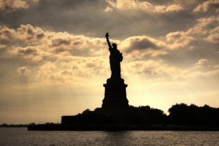 Statue Of Liberty In United States Of America Picture for Android, iPhone and iPad