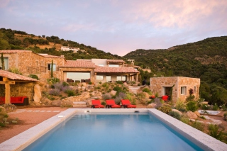 Villa Luna, Corsica, France Background for Android, iPhone and iPad