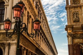 Venice Street lights and Architecture Picture for Android, iPhone and iPad