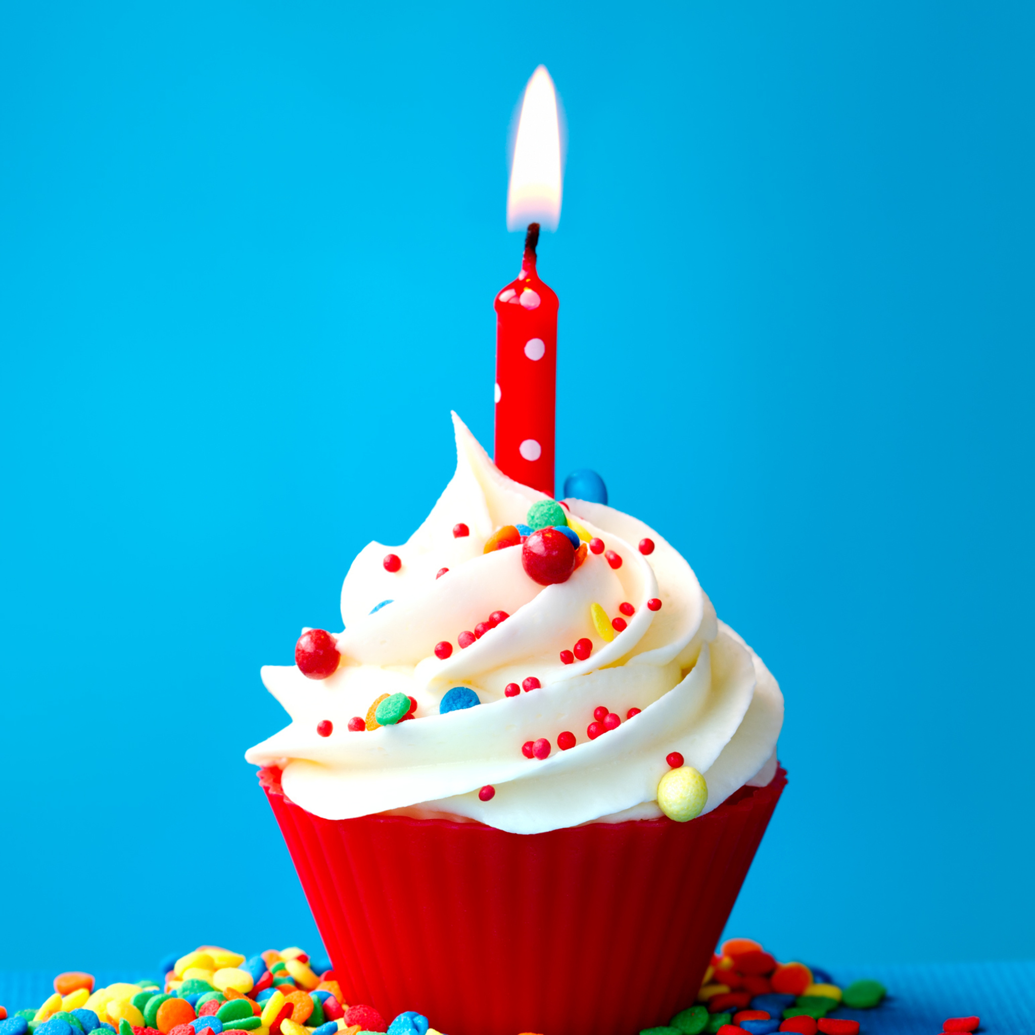 Happy Birthday Cupcake Wallpaper For 2048x2048