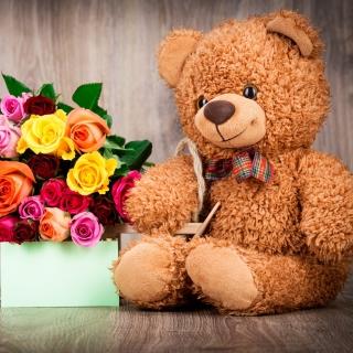 Valentines Day Teddy Bear with Gift - Obrázkek zdarma pro 1024x1024