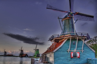 Free Windmill Picture for Android, iPhone and iPad