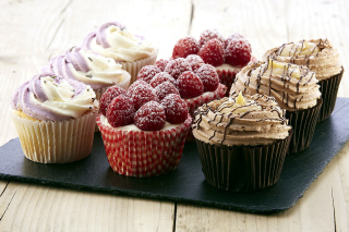 Mixed Berry Cupcakes sfondi gratuiti per cellulari Android, iPhone, iPad e desktop