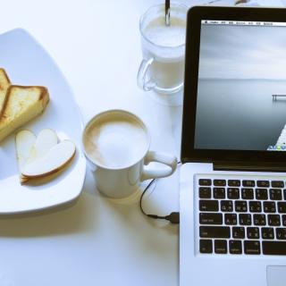 Apple - MacBook Pro - Obrázkek zdarma pro 1024x1024