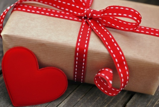 Romantic Gift Background for Android, iPhone and iPad