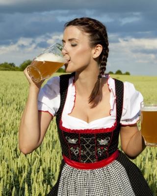 Girl likes Bavarian Weissbier - Obrázkek zdarma pro iPhone 5