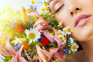 Bouquet And Girl Picture for Android, iPhone and iPad