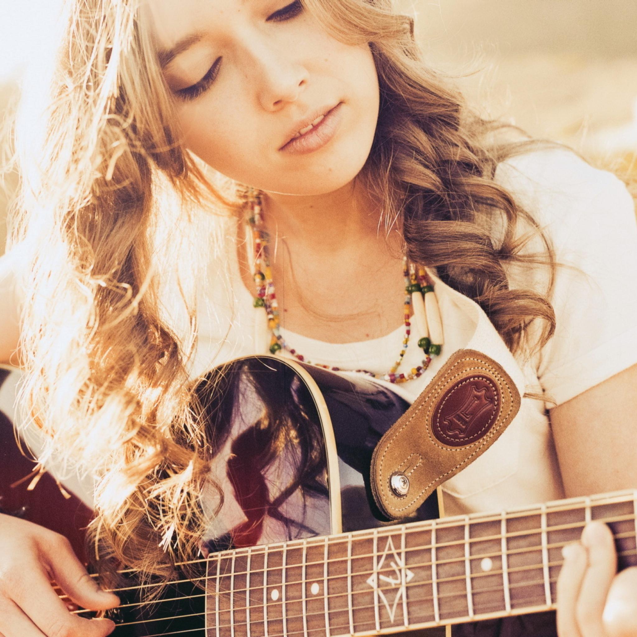 девушки гитара улыбка  № 465317 загрузить